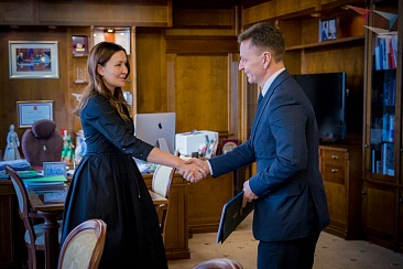 Working meeting of the General Director of the Agency for strategic initiatives (ASI) Svetlana Chupsheva with the Governor of Vladimir region Vladimir Sipyagin
